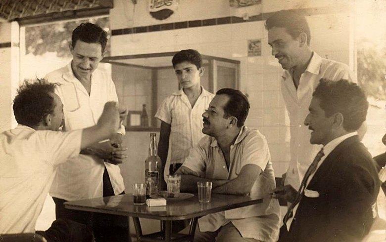 Rubens Colaço e Jayme Miranda em um bar de Jaraguá no início dos anos 60