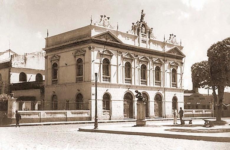 Teatro Deodoro (1950). Foto: Acervo do site historiadealagoas.com.br