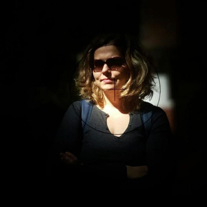 Aqui Acolá - Renata Voss