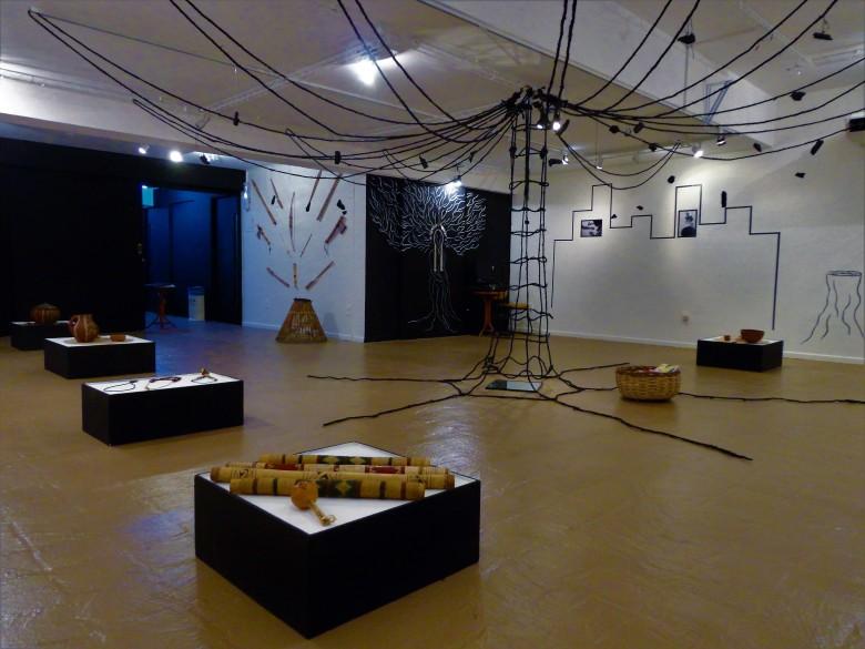 2012 - (Exposição Arte e Fatos Kariri Xocó) - (CURADORIA-MONTAGEM) - 05